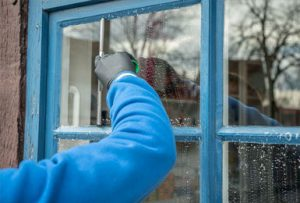Glazenwasser, glasbewassing binnen en buiten